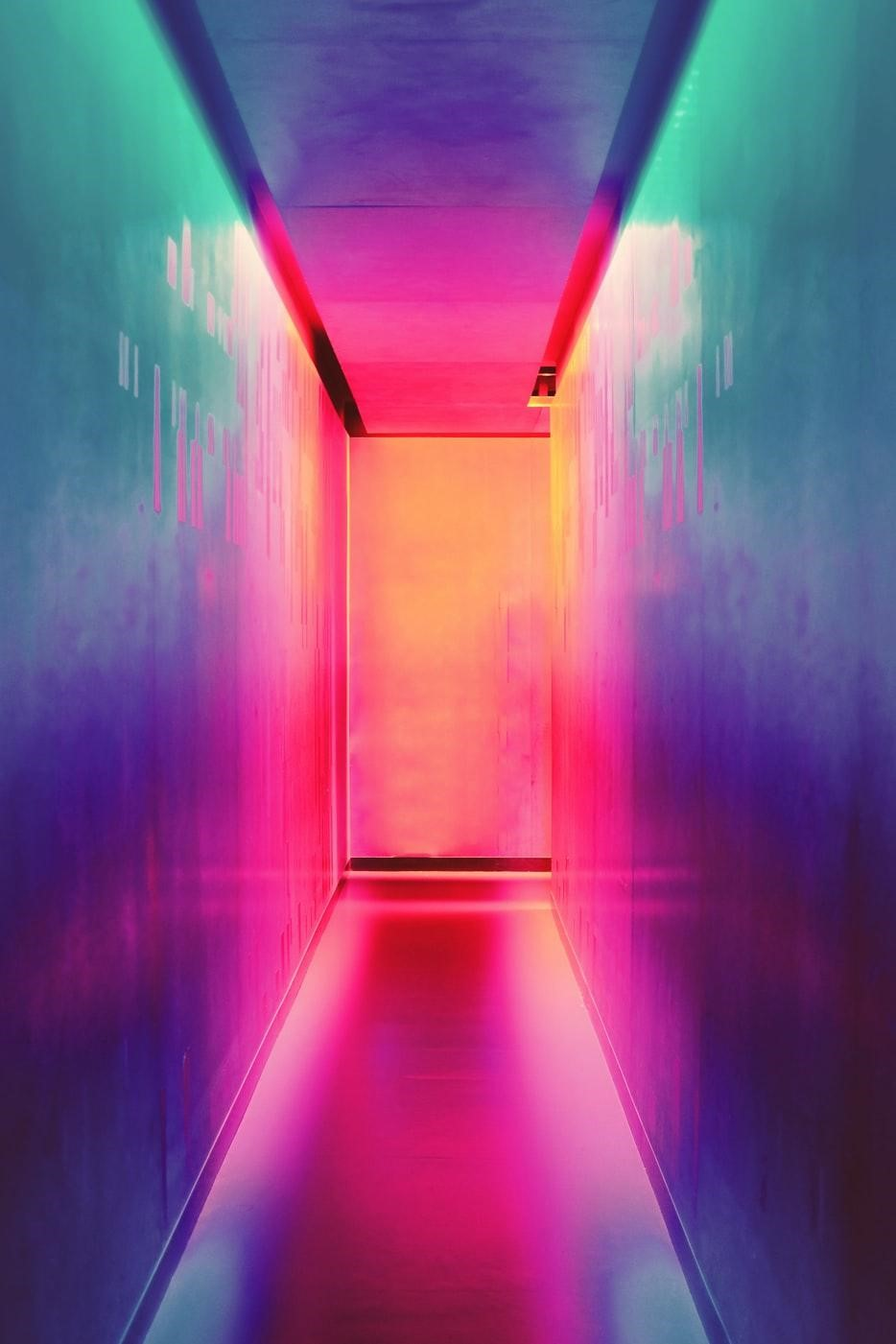 graidient of colors down hallway